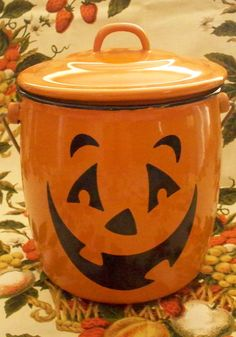 Enamel Metal Halloween Jack O Lantern Pumpkin Lidded Handled Bucket