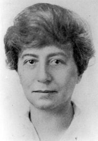 margaret floy washburn essay Most psychologists don't think of margaret floy washburn (1871-1939) as a comparative psychologist rather, she is probably best known as the second woman to serve as apa president (1921) and perhaps also as psychology's first woman phd (she completed study at cornell university in 1894.