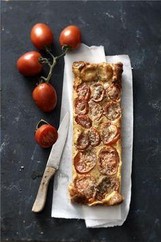 Πίτα χωρίς φύλλο με ντομάτες και κατσικίσιο τυρί