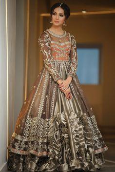 Desi Wedding Dresses, Pakistani Wedding Outfits, Pakistani Bridal Wear, Pakistani Dresses, Indian Dresses, Indian Outfits, Bridal Dresses, Bridal Outfits, Bridal Lehenga