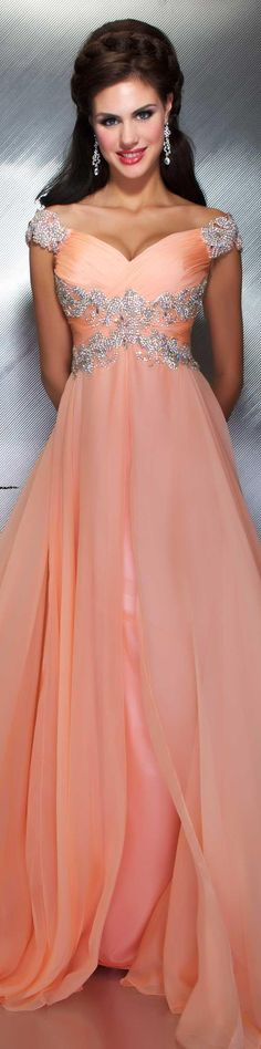 Fashion and More: Mac Duggal couture dress peach MAC DUGGAL PROM STYLE If it was white with lace sleeves, this will be my wedding dress. Mac Duggal, Beautiful Gowns, Beautiful Outfits, Elegant Dresses, Pretty Dresses, Couture Dresses, Fashion Dresses, Traje A Rigor, Glamour