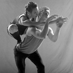Example of a physical theatre/contact improvisation lift - taking weight.
