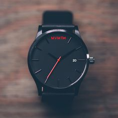 Mit einem Preis von unter 100€ ist die MVMT Classic ein echter Schnapper. Sicher, Verarbeitung und Uhrwerk sind keineHandwerkskunst. Das Lederarmband und der Stylefaktor gleich das aber wieder aus und machen diese Uhr zu einem echten Hungucker. #affordable #watch