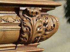 Buffet Renaissance en Noyer Sculpté