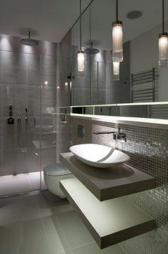 mosaïque, vasque à poser et douche à effet pluie