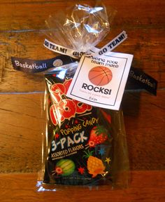 cosa: Basketball Rocks Favor I will use this for volleyball.poca cosa: Basketball Rocks Favor I will use this for volleyball. Basketball Tricks, Basketball Party, Basketball Season, Basketball Gifts, Basketball Teams, Basketball Birthday, Sports Party, Basketball Workouts, Curry Basketball
