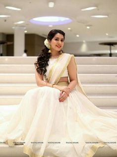 Rashi khanna gorgeous Set Saree, Half Saree Lehenga, Lehnga Dress, Frock Dress, Kerala Engagement Dress, Engagement Dresses, Kerala Saree, Onam Saree, Indian Sarees