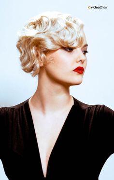 Nicht aus Zufall, erinnert dieser Looks an die Zeit Marilyn Monroe. www.video2hair.com/de/home/57999122
