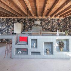 Islas de Cocina con Azulejos My Kitchen Rules, Open Plan Kitchen, Kitchen Tiles, Kitchen Colors, Interior Exterior, Interior Design, Screen House, Austin Homes, Simple Furniture