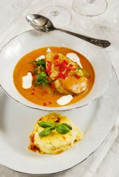 Tárkonyos harcsapaprikás rakott tésztával Thai Red Curry, Menu, Fish, Ethnic Recipes, Red Peppers, Menu Board Design, Menu Cards, Ichthys