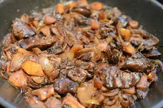 Hagymás-almás csirkemáj Pot Roast, Ethnic Recipes, Food, Carne Asada, Roast Beef, Essen, Meals, Yemek, Eten