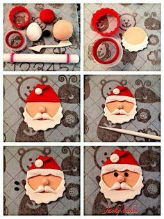 New cupcakes christmas fondant papa noel Ideas Christmas Cupcake Toppers, Christmas Cake Designs, Christmas Cake Decorations, Fondant Decorations, Christmas Sweets, Christmas Cooking, Christmas Goodies, Christmas 2019, Vegan Christmas