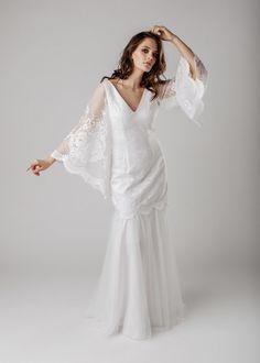 HAVANNA wedding gown  Ekologinen hääpuku Wedding Wear, Wedding Gowns, Light And Shadow, Vintage Lace, Workshop, White Dress, How To Wear, Collection, Fashion
