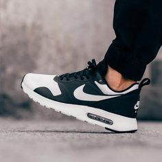 nike air max tavas black and white photography