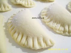 Coltunasi ca la mama acasa…. Sweets Recipes, Cooking Recipes, Vegetarian Recepies, Israeli Food, Western Food, Romanian Food, Pastry And Bakery, Greek Recipes, Different Recipes