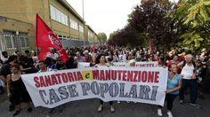 """Roma dopo gli incidenti corteo dei movimenti al Tiburtino III: """"Casa lavoro e diritti sociali"""" #lavoratori #salari #tasse #roma #stipendo #INPS"""