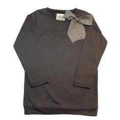 camiseta con lazo para niña douuod. Más moda infantil online en www.yosolito.es/tienda
