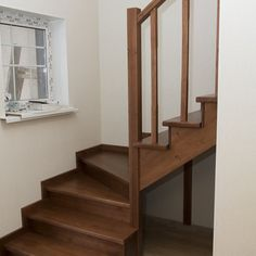 Лестница из массива сосны. Эксклюзивная мебель на заказ. Изделия из ценных пород дерева!