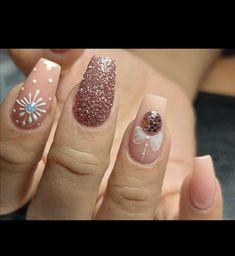 Christmas Nails, Beauty, Christmas Manicure, Xmas Nails, Beauty Illustration
