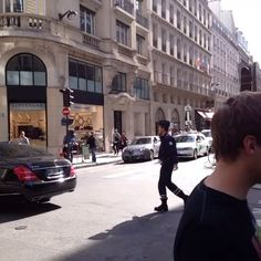 Une MappyCar captée en vidéo sur Vine par @myrtlexbeach à Paris, rue de Rennes.