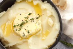 Mashed Potatoes with Herb Butter! Side Recipes, Great Recipes, Favorite Recipes, Delicious Recipes, Vegetable Dishes, Vegetable Recipes, Thanksgiving Recipes, Holiday Recipes, Warm Salad Recipes