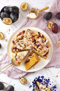 Dyniowe bezglutenowe ciasto drożdżowe ze śliwkami (wegańskie) • BezBez.pl 200 Calories, Vegan Cake, Food Styling, Gluten Free Recipes, Free Food, Breakfast, Ethnic Recipes, Interior, Hokkaido