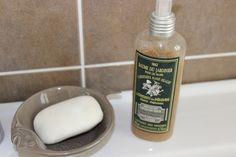Sur mon lavabo Soap, Personal Care, Bottle, Trough Sink, Hands, Self Care, Personal Hygiene, Flask, Soaps