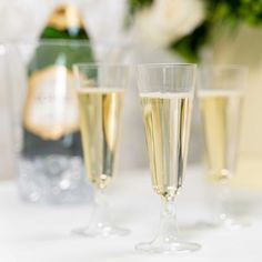 Plastic Champagne Flutes, Kitchen Gadgets, Party Supplies, Toast, Shapes, Crystals, Modern, Products, Trendy Tree