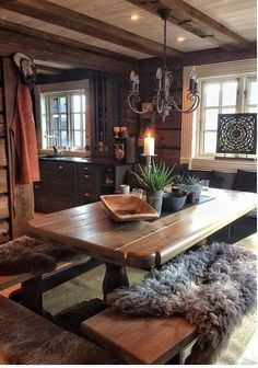 Awesome 47 Inspiring Home Interior Cabin Style Design Ideas Log Cabin Homes, Log Cabins, Rustic Cabins, Rustic Cabin Decor, Log Home Interiors, Log Home Decorating, Decor Scandinavian, Dining Room Light Fixtures, Rustic Home Design