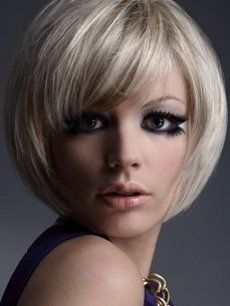 New Platinum Blonde Hairstyles - Were you always fascinated by the radiating effect of platinum blonde hair? Now, you are free to experiment with this fabulous shade to perk up your hairstyle. Those who limited themselves to the natural light tones might be surprised how flattering this almost supernaturally alluring shade really is. Take a look at these fabulous examples of platinum blonde hairstyles for some inspiration.