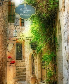 La Boutique du Chateau, Eze, France   photo by joditripp via beautyineverything