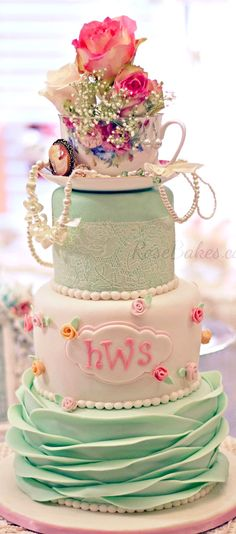 Shabby Chic Baby Shower Cake - click over to Rose Bakes to see more pics and get all the details of this Shabby Chic Baby Shower Cake! Tea Party Baby Shower, Baby Shower Cupcakes, Shower Cakes, Bridal Shower, Baby Shower Elegante, Shabby Chic Baby Shower, Shabby Chic Birthday, Girl Cupcakes, Cupcake Cakes