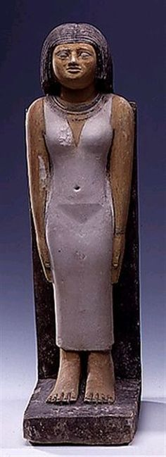 Nefer-hetepes in an ankle-length dress with shoulder straps, a broad collar & long wig. Dyn 6, painted limestone, Giza Necropolis. Pelizaeus-Museum, Hildesheim, Germany