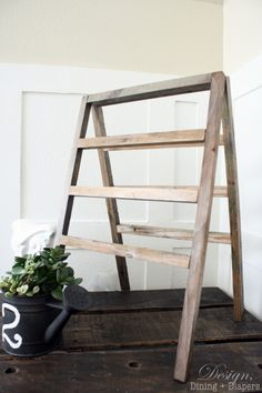 DIY::How To Make A Vintage-Inspired Mini Ladder Tutorial (option to do in white as well)