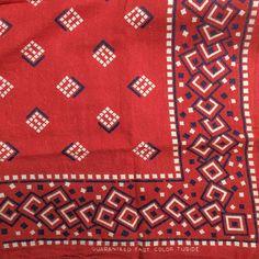 #tuside #bandanna #red Vintage Bandana, Red Bandana, Textile Patterns, Print Patterns, Vintage Clothing, Vintage Outfits, Bandana Design, Chinese Embroidery, Southwest Style