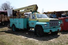 1982 Ford F-Series truck Wrecking Yards, Truck Transport, Ford F Series, Rusty Cars, Abandoned Cars, Barn Finds, Ford Trucks, Buses, Monster Trucks