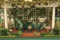 miniature pergola scene.  Love it! Isn't this fabulous!