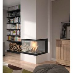 Insert 3 faces carré dans Chauffage bois a 6,250.00 Home, Living Room Decor Fireplace, Wood Burning Stoves Living Room, Fireplace Design, Home Deco, Indoor Fireplace, Interior Design Living Room, Interior Design, Fireplace