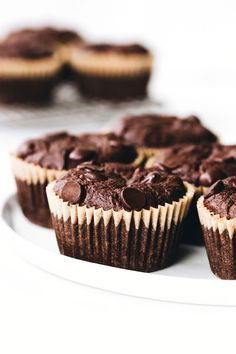Feasting on Fruit - snacking made sweeter with fruit Chocolate Hazelnut, Dark Chocolate Chips, Chocolate Flavors, Chocolate Chocolate, Chocolate Desserts, Feasting On Fruit, Avocado, How To Roast Hazelnuts, Chocolate Chip Muffins