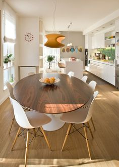 Top 10 Modern Round Dining Tables | Round dining table, Rounding ...