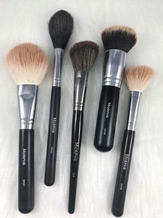 5 Morphe Brushes To Try For A Flawless Base Morphe Brushes, Makeup Brushes Related posts: Passo a passo dessa make Glam usando paleta Jaclyn Hill Morphe Brushes _ … Morphe Brushes Palette & Gel Eyeliner Makeup Guide, Makeup Geek, Makeup Tools, Makeup Hacks, Mac Makeup, Makeup Ideas, Wolf Makeup, Makeup Morphe, Clean Makeup