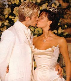 Luttrellstown Castle near Dublin in July of 1999 was the chosen location for the elegant wedding David and Victoria Beckham had.