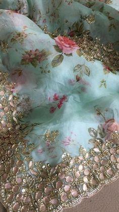 Silk Saree Banarasi, Organza Saree, Bollywood Saree, Bollywood Fashion, Plain Saree, Sari Dress, Couture Embroidery, Saree Look, Saree Collection