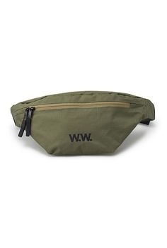 Simple double zipped bum bag in a textured army ripstop fabric.   - W.W. logo patch. - Zip with premium puller. - 1 zipped back compartment. - Adjustable waist. - 100% Polyester