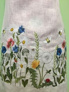Floral Embroidery Patterns, Embroidery Suits Design, Hand Work Embroidery, Embroidery Fashion, Embroidery Dress, Ribbon Embroidery, Embroidery Stitches, Machine Embroidery, Embroidery Designs