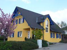 Bärenhaus http://www.unger-park.de/musterhaus-ausstellungen/chemnitz/galerie-haeuser/detailansicht/artikel/baerenhaus-parzelle-01/ #musterhaus #fertighaus #immobilien #eco #umweltfreundlich #hauskaufen #energiehaus #eigenhaus #bauen #Architektur #effizienzhaus #wohntrends #meinzuhause #hausbau #haus #design #bärenhaus #baerenhaus