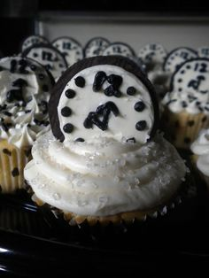 New Years Cupcakes -- cute!
