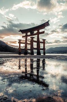 Aesthetic Japan, Japanese Aesthetic, Japan Landscape, Fantasy Landscape, Beautiful World, Beautiful Places, Landscape Photography, Nature Photography, Japon Illustration