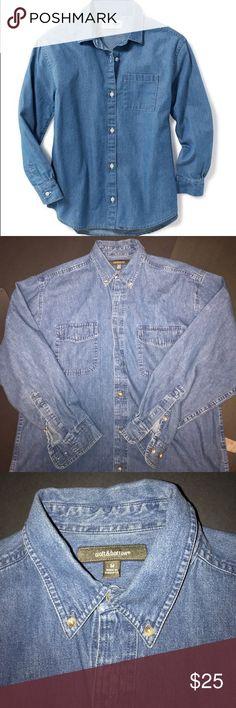 Croft and barrow size medium Men's size medium button-down Denim croft & barrow Shirts Casual Button Down Shirts