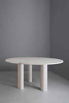 Michael Anastassiades  - 'Love  me, Love me not' dining table: round by Salvatori